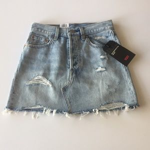 NWT Levi's Deconstructed Jean Skirt Size 25